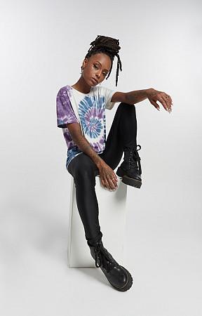 Camiseta Feminina de Malha com Gola Careca Tie Dye