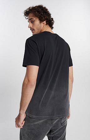 Camiseta Masculina de Malha com Gola Careca Used Inferior