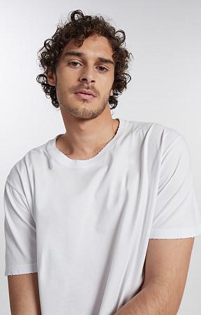 Camiseta Masculina de Malha com Puídos Gola Careca Reativo